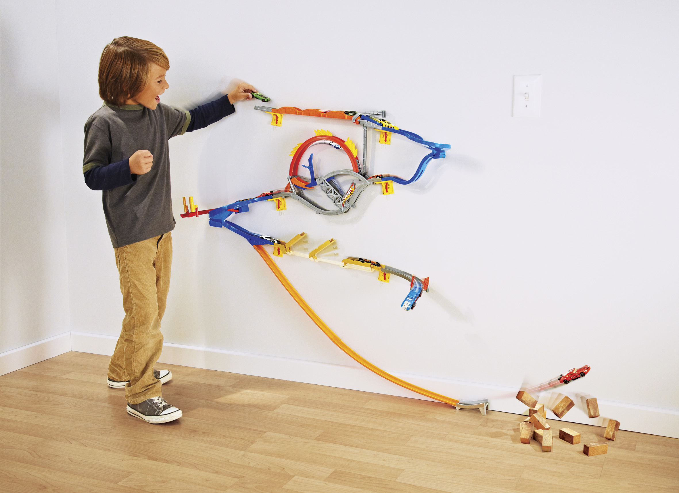 Hot wheels wall tracks for Hot wheels wall tracks template