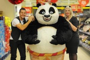 Kung fu panda 2 steps sing in sainsbury s - Singe kung fu panda ...
