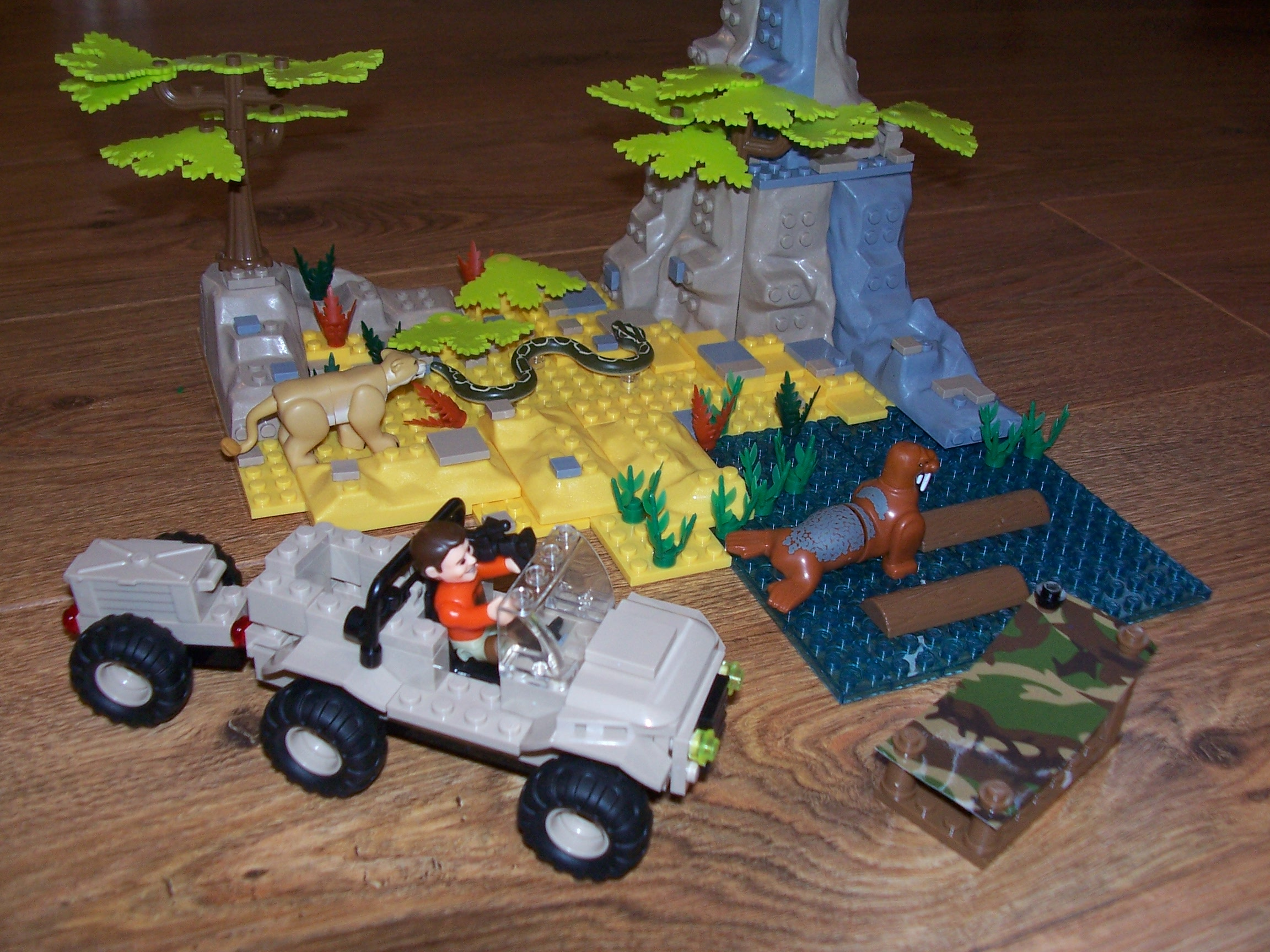 Building Toys From The 60s : Character building deadly steve safari playset