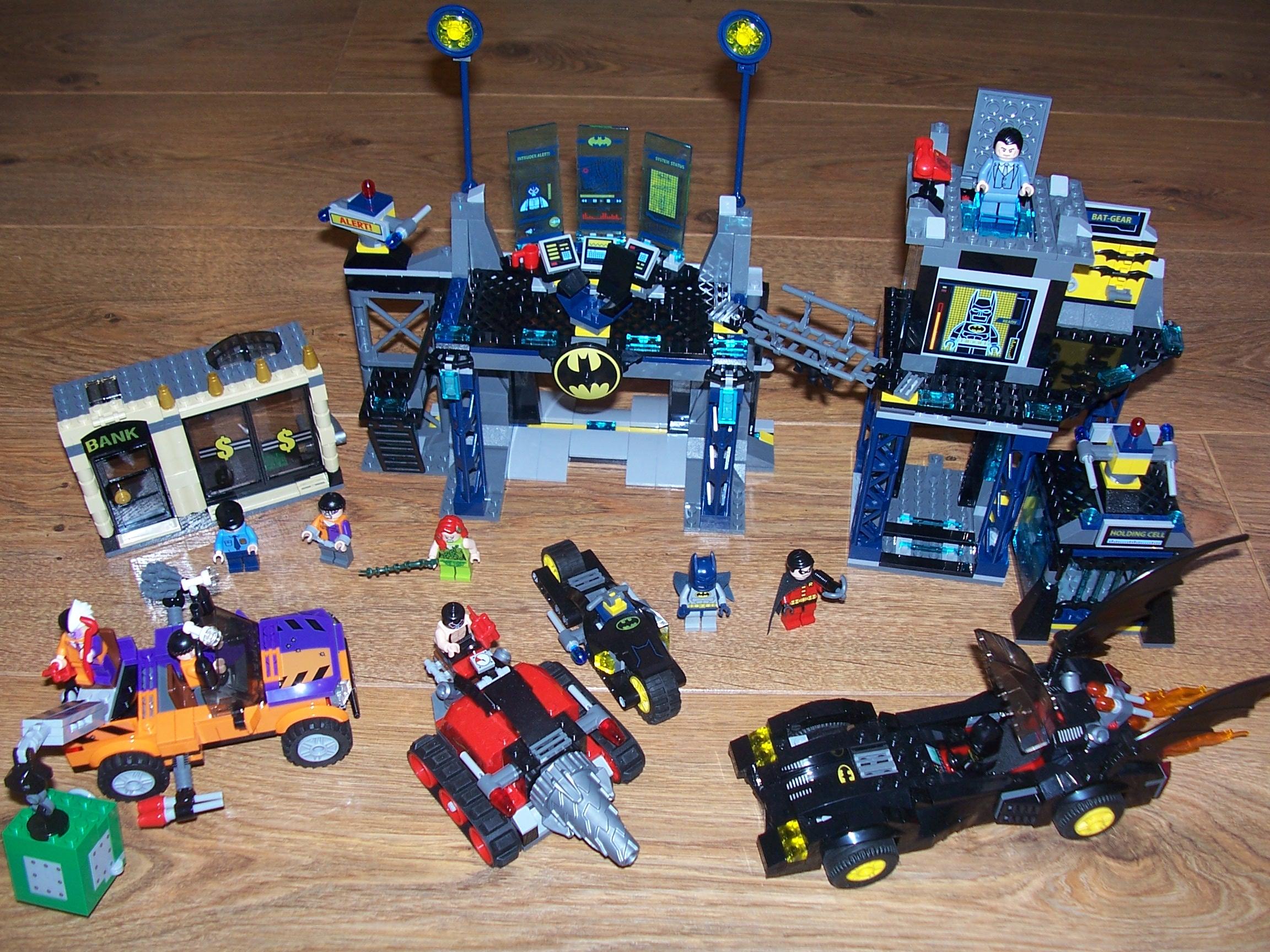 Lego batman 2 dc super heroes video game and toys for Videos de lego batman