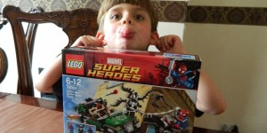 LEGO: Ultimate Spider-Man...