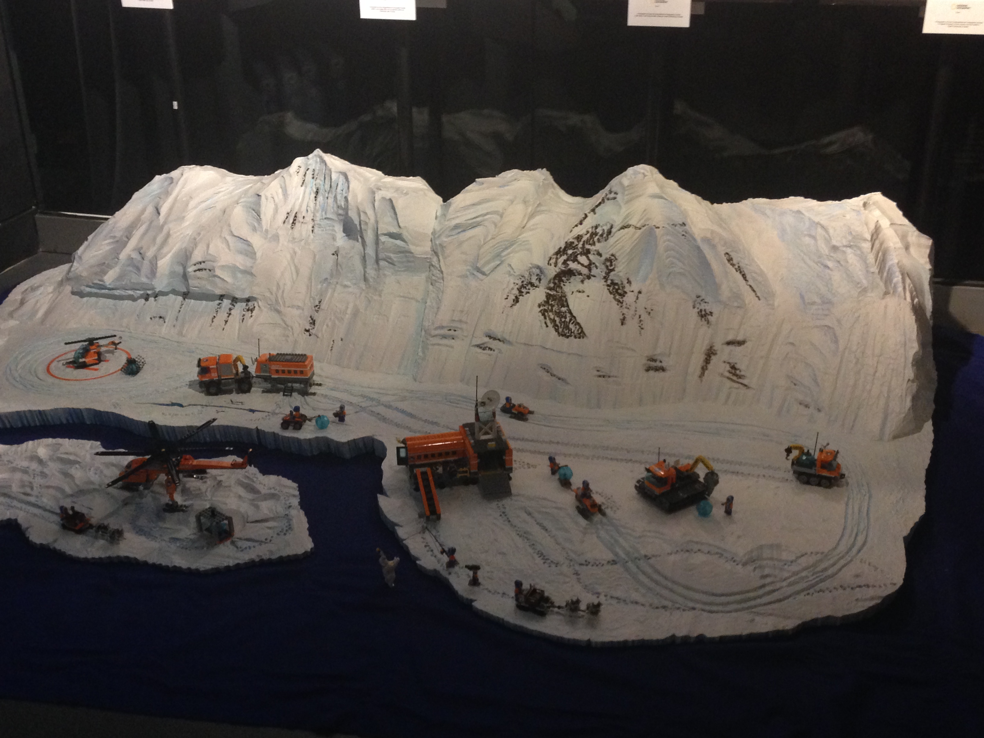 barclaycard us contact with Sophie At The Lego City Arctic Event With Adventurer Ben Saunders on C69577be 88f1 11e7 850e 2e80af156eae also Pre Owned 1894 Full Gold Sovereign Coin together with British Summer Time At Hyde Park besides Legoland Birmingham Barclaycard Arena Opening 13143496 together with Reading 2007.