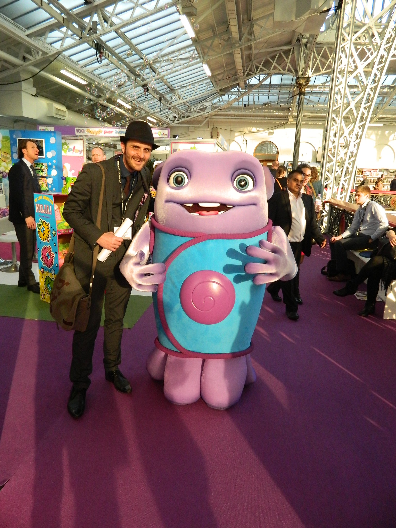 Toy Fair 2015 Dad And Yasmin Meet The Characters Of The