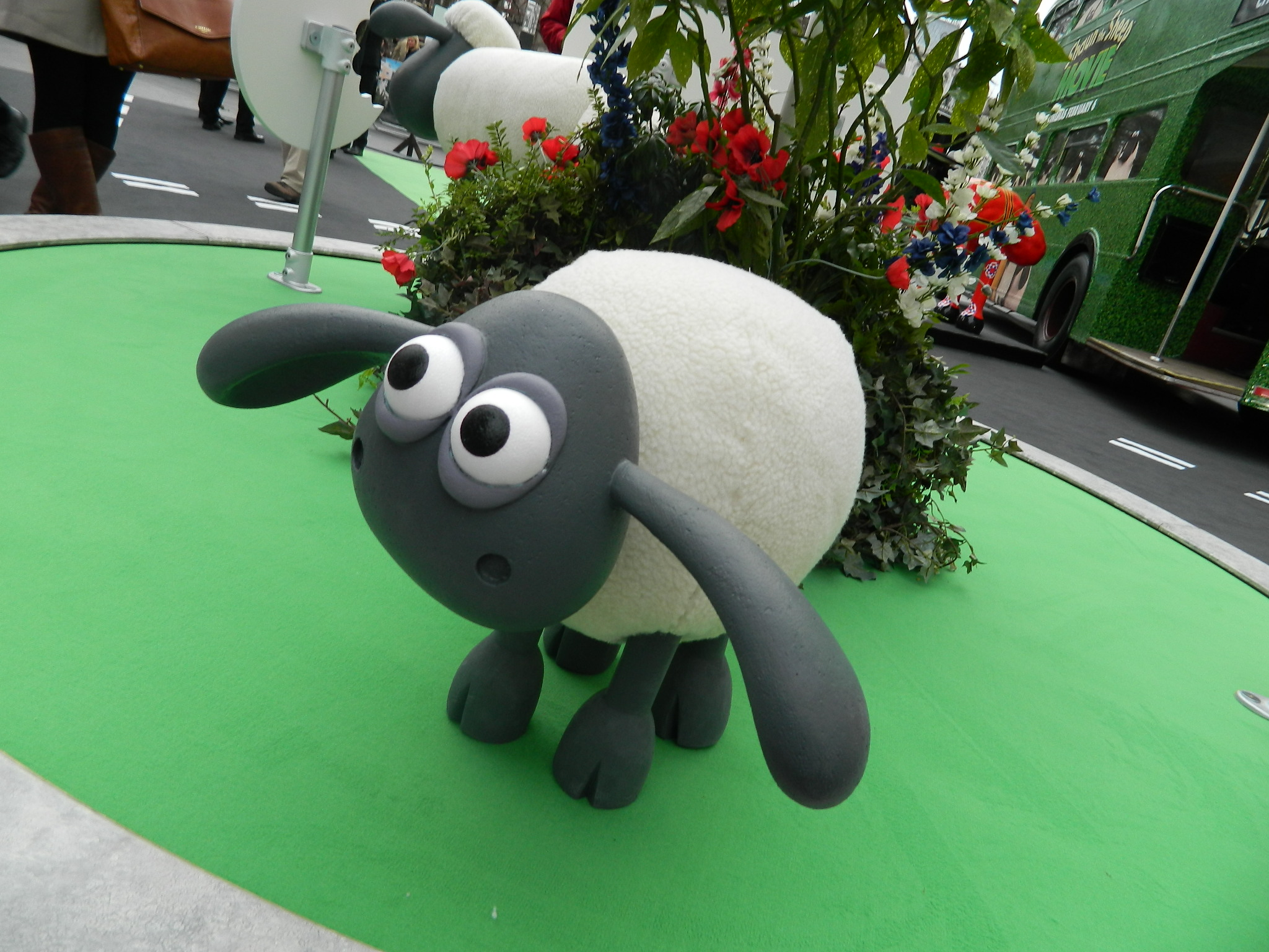 aardman shaun the sheep the movie � con meets the stars