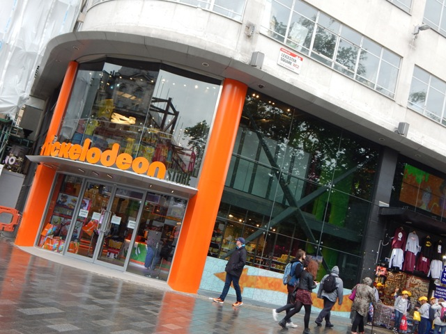 The Nickelodeon Store London Hag Con Amp Bex At The