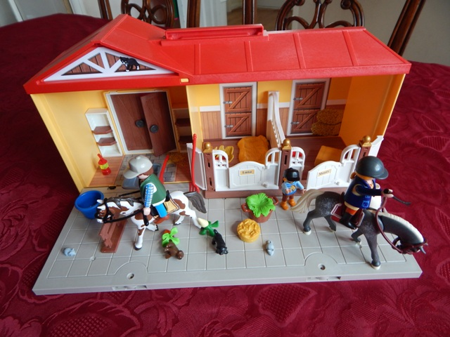 Playmobil Take Along Horse Stable 'take Along Horse Stable'