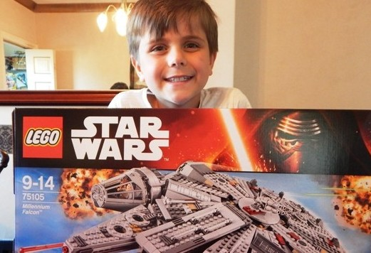 LEGO STAR WARS The Force Awakens Millennium Falcon (1)