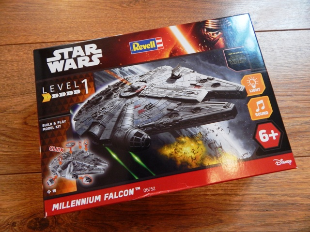 Revell Build & Play Star Wars The Force Awakens Millennium