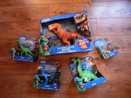 Tomy The good dinosaur toys (1)