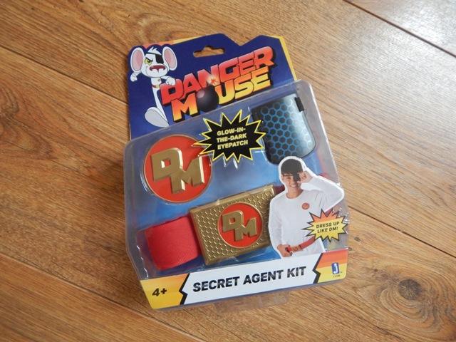 toy fair 2016 new danger mouse toys. Black Bedroom Furniture Sets. Home Design Ideas