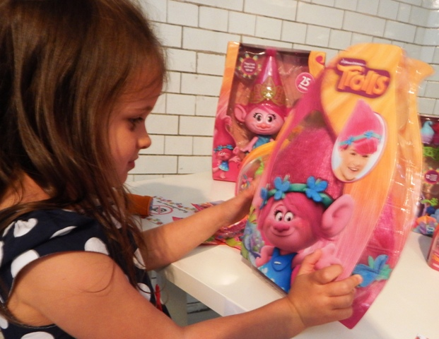 Bex Takes A Look At The New Dreamworks Trolls Toys And
