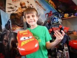 Smyths toys Jumbo RC Lightning McQueen (2)
