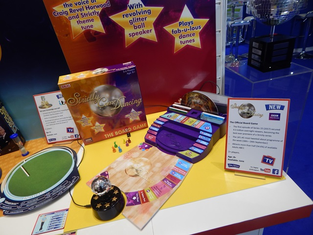 Case Blue Board Game : Strictly come dancing the board game